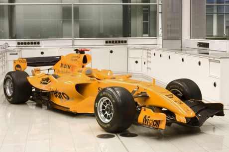 Testing colours McLaren