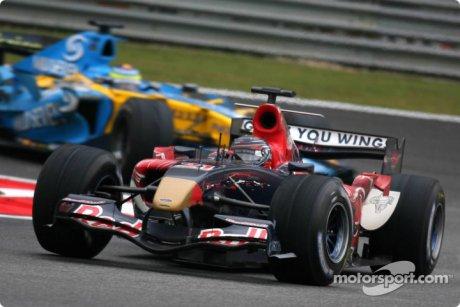 Scott Speed leads Giancarlo Fisichella