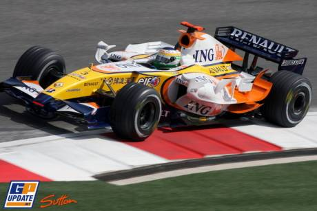 Giancarlo Fisichella in his Renault