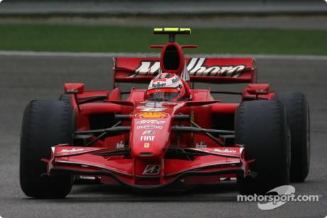 Kimi Raikkonen, Scuderia Ferrari, F2007, badly worntyres