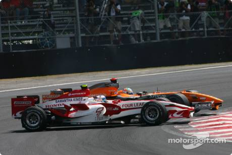 Anthony Davidson, Super Aguri F1 Team, SA07 and Adrian Sutil, Spyker F1 Team, F8-VII-B