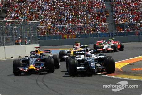 David Coulthard, Red Bull Racing (RB4) and Kazuki Nakajima, Williams F1 Team (FW30)