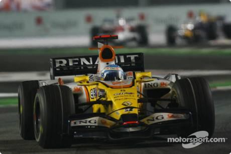 Fernando Alonso, Renault F1 Team (R28)