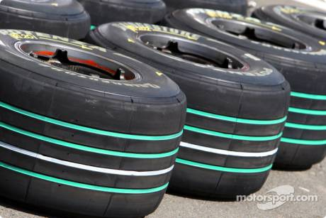 Bridgestone Tyres, 'Make Cars Green' Stripes