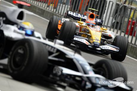 Nico Rosberg, Williams F1 Team (FW30), Nelson A. Piquet, Renault F1 Team (R28)