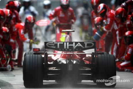 Felipe Massa, Scuderia Ferrari (F2008), pitstop