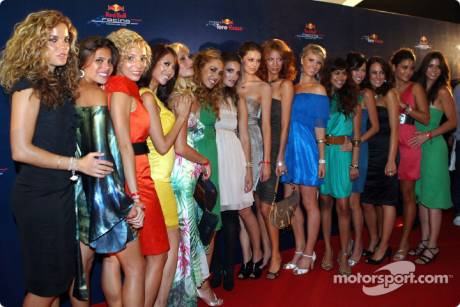 The Formula Unas girls at the Red Carpet