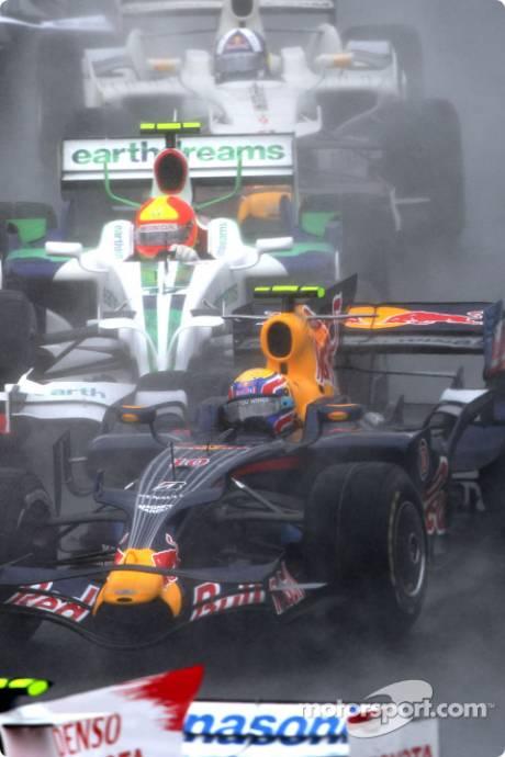 Mark Webber (Red Bull Racing, RB4), Rubens Barrichello (Honda Racing F1 Team, RA108) and David Coulthard (Red Bull Racing, RB4)