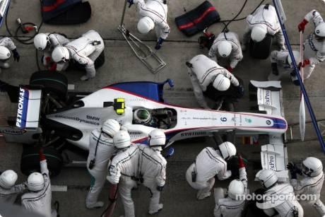 Nick Heidfeld, BMW Sauber F1 Team (F1.09), Pitstop