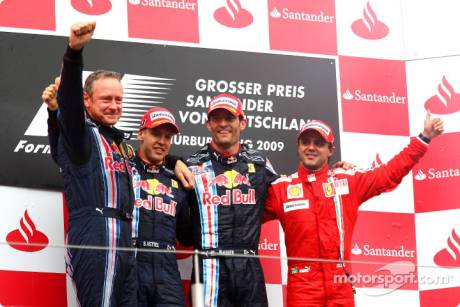 Podium: race winner Mark Webber (Red Bull Racing), second place Sebastian Vettel (Red Bull Racing) and third place Felipe Massa (Scuderia Ferrari)