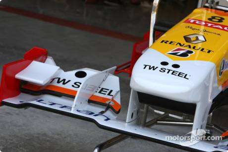 TW Steel Watches sponsors the Renault F1 Team