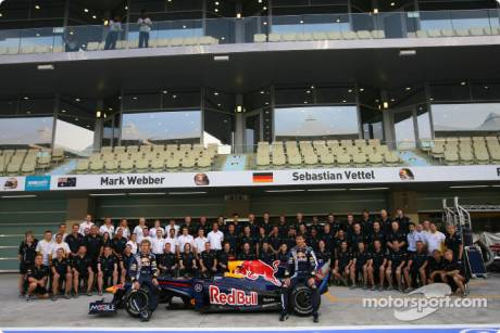 Red Bull Racing, Group Picture, RB5, Sebastian Vettel, Mark Webber