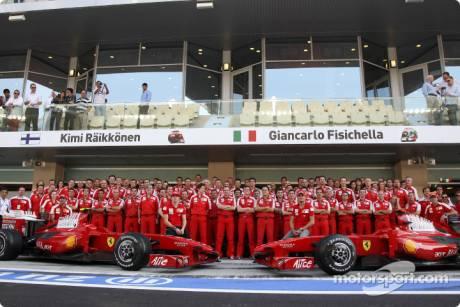 Scuderia Ferrari, F60, Group Picture, Kimi Raikkonen, Giancarlo Fisichella