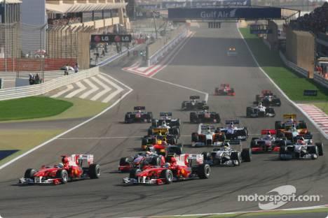 Start of the race, Fernando Alonso and Felipe Massa, Scuderia Ferrari, F10