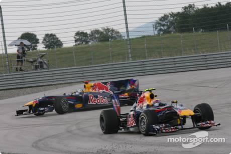 Mark Webber and Sebastian Vettel (Red Bull Racing, RB6) Crash