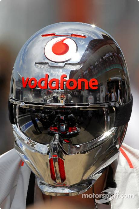 Lewis Hamilton, McLaren Mercedes, MP4-25, Reflection