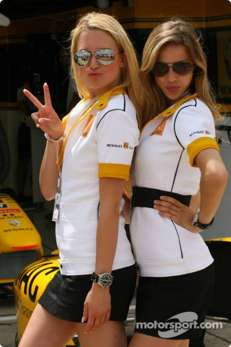 Renault F1 Team Girls