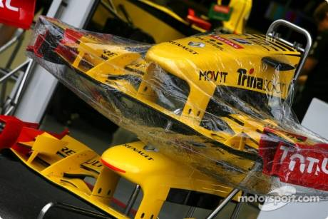 Renault F1 Team, Front Wings