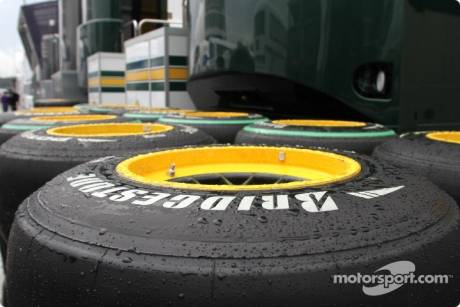 Lotus F1 Team, Spare Bridgestone Tyres
