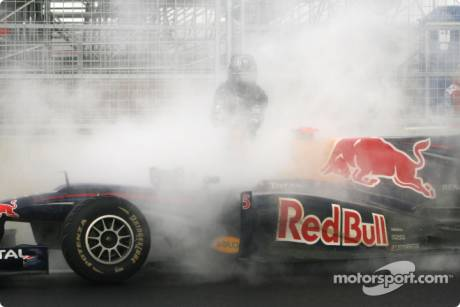 Sebastian Vettel (Red Bull Racing, RB6) had his engine blew up