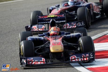 Jaime Alguersuari and Sebastien Buemi, Scuderia Toro Rosso, STR6
