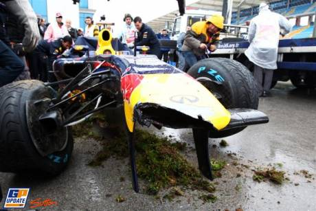 The crashed RB7 of Sebastian Vettel, Red Bull Racing