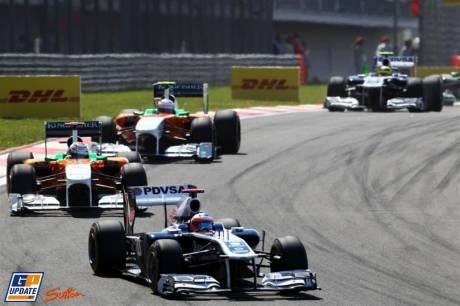 Rubens Barrichello (Williams F1 Team, FW33) and Adrian Sutil (Force India F1 Team, VJM04) and Paul di Resta (Force India F1 Team, VJM04)