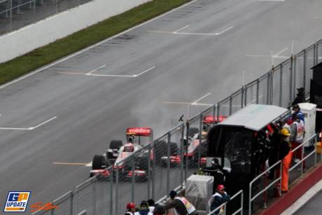 The accident between Jenson Button and Lewis Hamilton, McLaren Mercedes, MP4-26