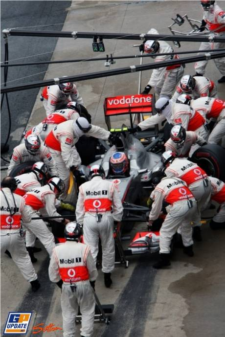 Jenson Button, McLaren Mercedes, MP4-26, Pit Stop