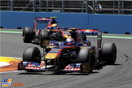 Sebastien Buemi and Jaime Alguersuari (Scuderia Toro Rosso, STR6)