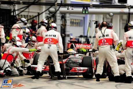 Lewis Hamilton, McLaren Mercedes, MP4-26, Pit Stop