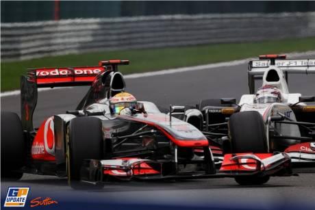 The Crash between Lewis Hamilton (McLaren Mercedes, MP4-26) and Kamui Kobayashi (Sauber F1 Team, C30)