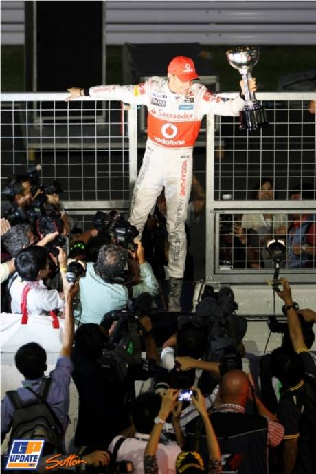 Jenson Button (McLaren Mercedes) celebrates his win of the Japanese Grand Prix