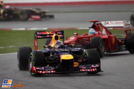 Sebastian Vettel (Red Bull Racing, RB8) and Fernando Alonso (Scuderia Ferrari, F2012)