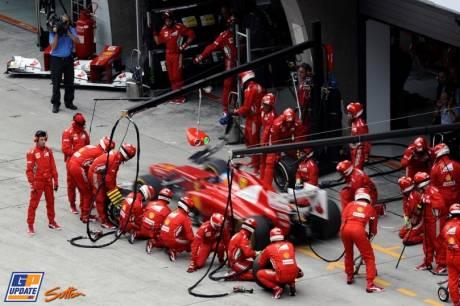 Pitstop for Fernando Alonso (Scuderia Ferrari, F2012)