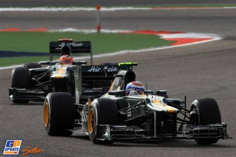Vitaly Petrov en Heikki Kovalainen (Caterham F1 Team, CT01)