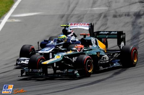 Heikki Kovalainen (Caterham F1 Team, CT01) and Bruno Senna (Williams F1 Team, FW34)