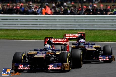 Jean-Eric Vergne and Danielle Ricciardo, Scuderia Toro Rosso, STR7