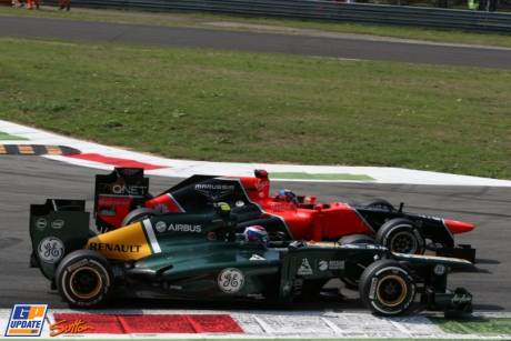 Timo Glock (Marussia F1 Team, MR01) and Vitaly Petrov (Caterham F1 Team, CT01)