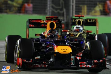 Sebastian Vettel (Red Bull Racing, RB8) and Kimi Raikkonen (Lotus F1 Team, E20)