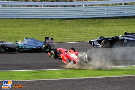 Nico Rosberg (Mercedes AMG F1 Team, W03), Fernando Alonso (Scuderia Ferrari, F2012) and Bruno Senna (Williams F1 Team, FW34)