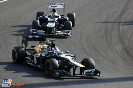 Vitaly Petrov (Caterham F1 Team, CT01) and Bruno Senna (Williams F1 Team, FW34)