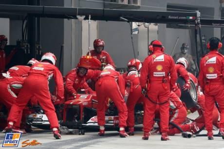 Pit Stop for Fernando Alonso, Scuderia Ferrari, F2012