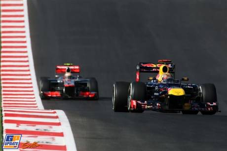 Sebastian Vettel (Red Bull Racing, RB8) and Lewis Hamilton (McLaren Mercedes, MP4-27)