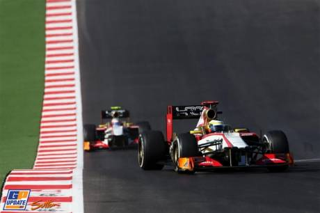Pedro de la Rosa and Narain Karthikeyan (Hispania Racing F1 Team, F112)