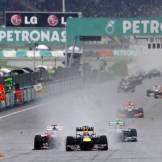 Mark Webber (Red Bull Racing, RB9) and Fernando Alonso (Scuderia Ferrari, F138)
