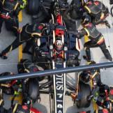 Pit Stop for Kimi Räikkönen (Lotus F1 Team, E21)