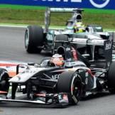 Nico Hülkenberg (Sauber F1 Team, C32) and Nico Rosberg (Mercedes AMG F1 Team, F1 W04)