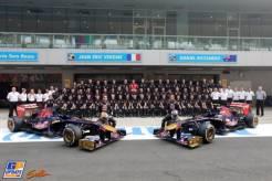 Jean-Eric Vergne and Daniel Ricciardo, Scuderia Toro Rosso, STR8