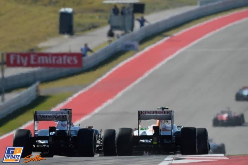 Pastor Maldonado (Williams F1 Team, FW35) and Adrian Sutil (Force India F1 Team, VJM06)